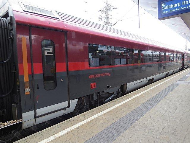 Поезд ÖBB Railjet, вагон второго класса