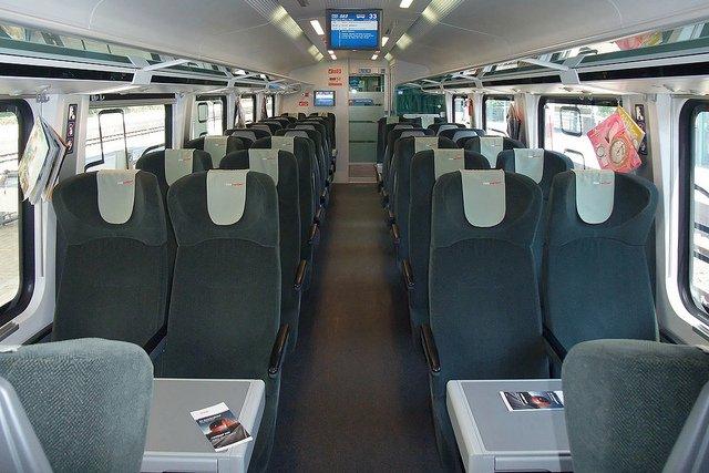 Вагон второго класса в поезде ÖBB Railjet