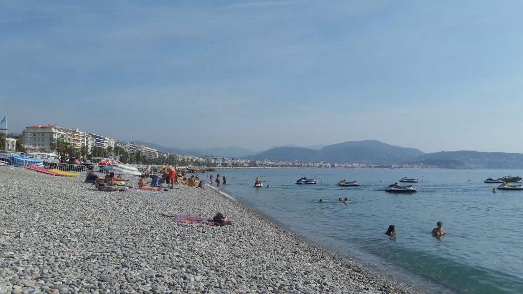 Бесплатные пляжи в Ницце. Западная часть бухты Ангелов