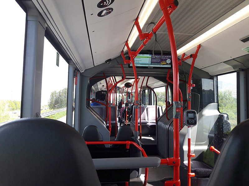 В салоне автобуса Amsterdam Airport Express