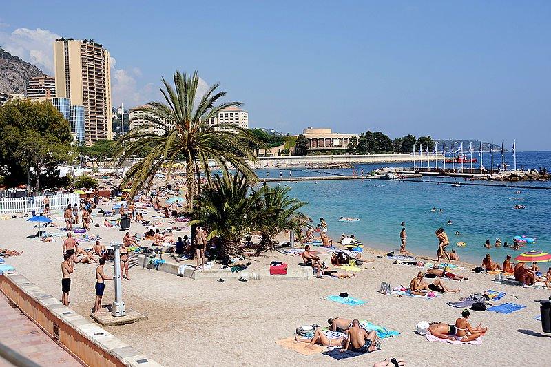 Пляж Larvotto в Монте-Карло