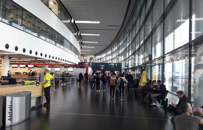 Зал регистрации. Терминал 3. Аэропорт Вена