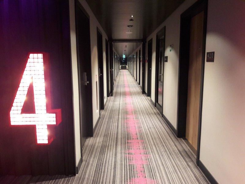 Отель Moxy 4 этаж
