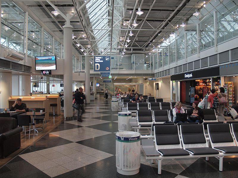 Зал вылетов в модуле D, в Т1 аэропорта Мюнхен