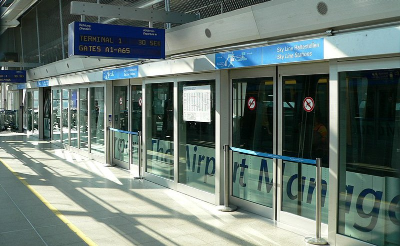 Sky Line train