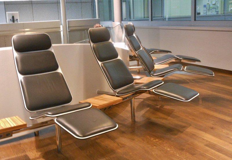Кресла в зоне отдыха