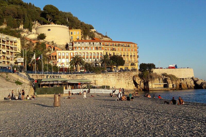 Пляжи в Ницце