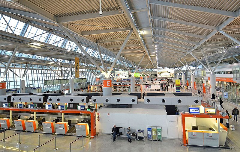 Залы регистрации пассажиров и багажа