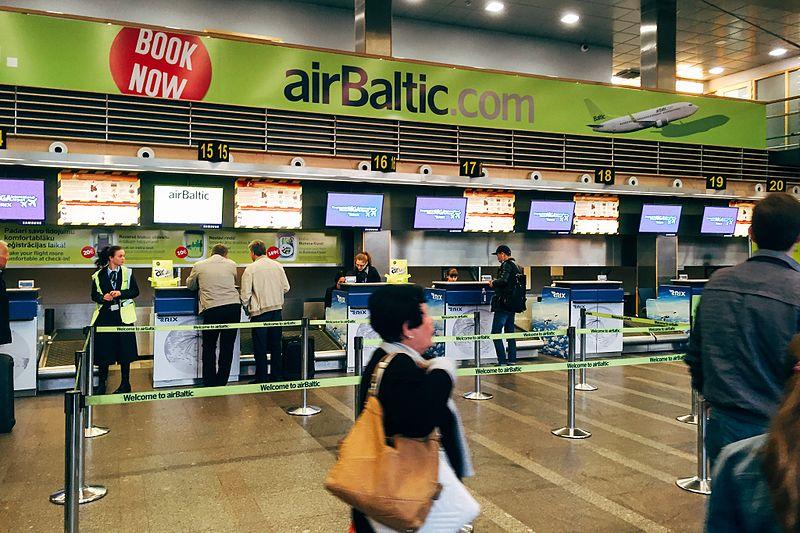 Стойки регистрации в аэропорту Риги.